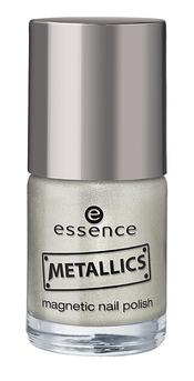 Esmalte de uñas metálico de Essence