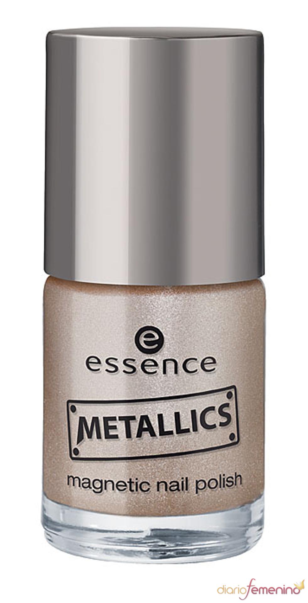 Esmalte de uñas luminoso de Essence
