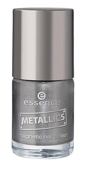 Esmalte de uñas plata de Essence