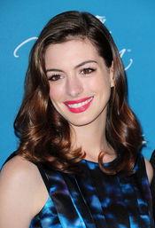 Anne Hathaway luce actualmente esta melena