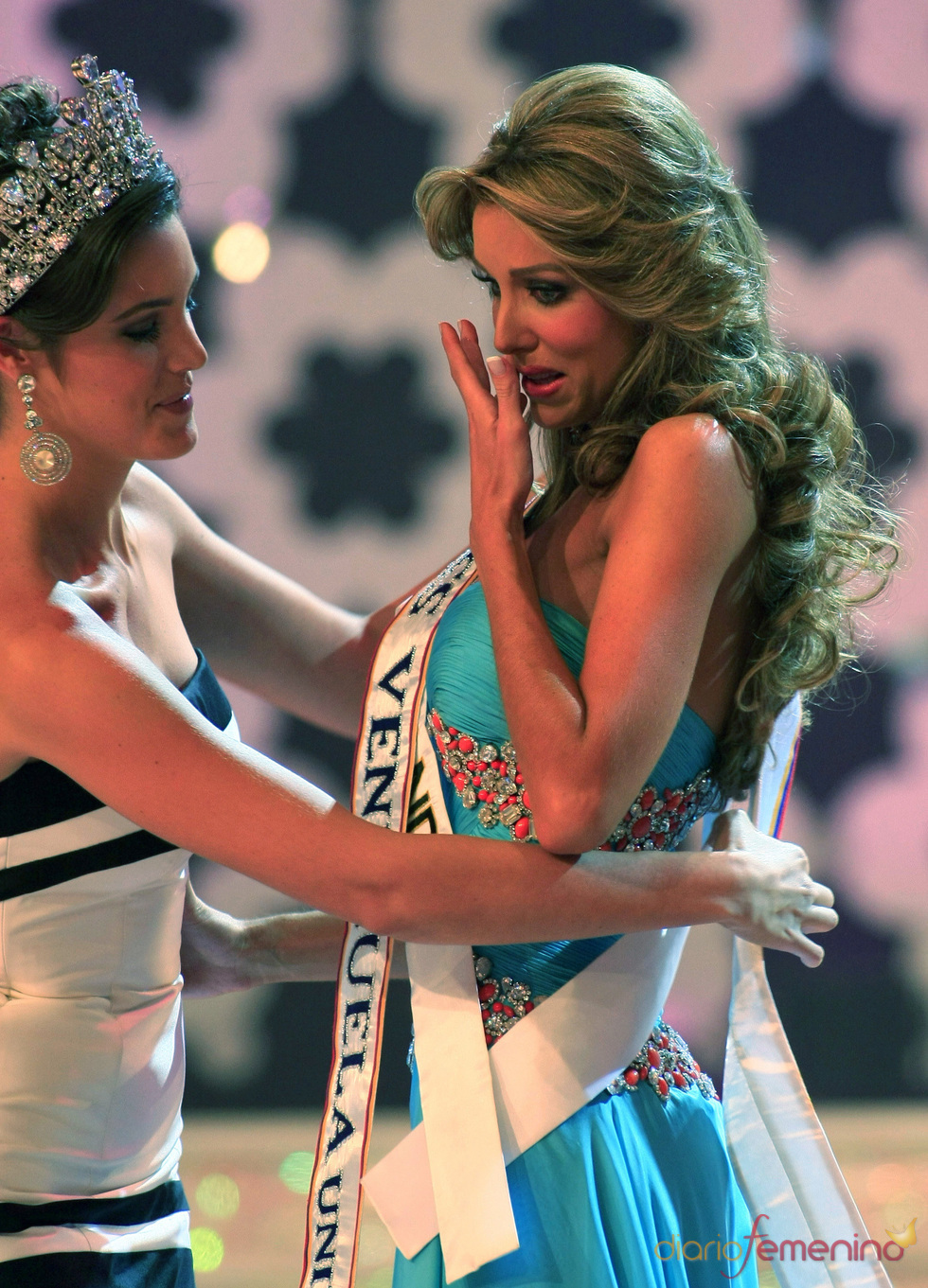 Image result for misses llorando de emoción
