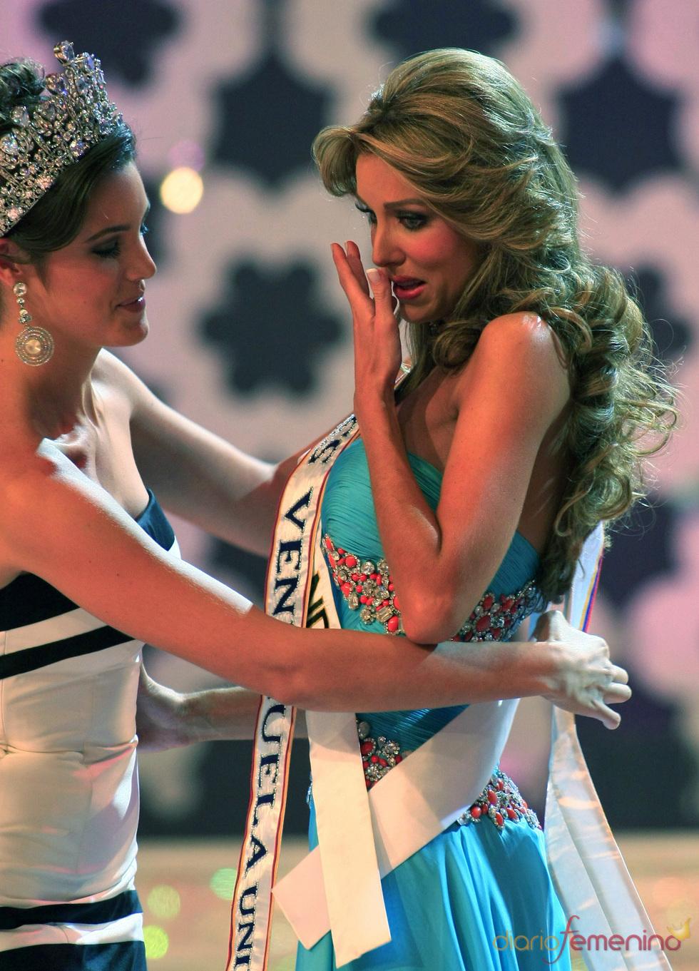 Vanessa Goncalves llora al ser nombrada Miss Venezuela