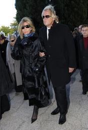 Norma Duval y Matthias Kühn en el entierro de Carla Duval