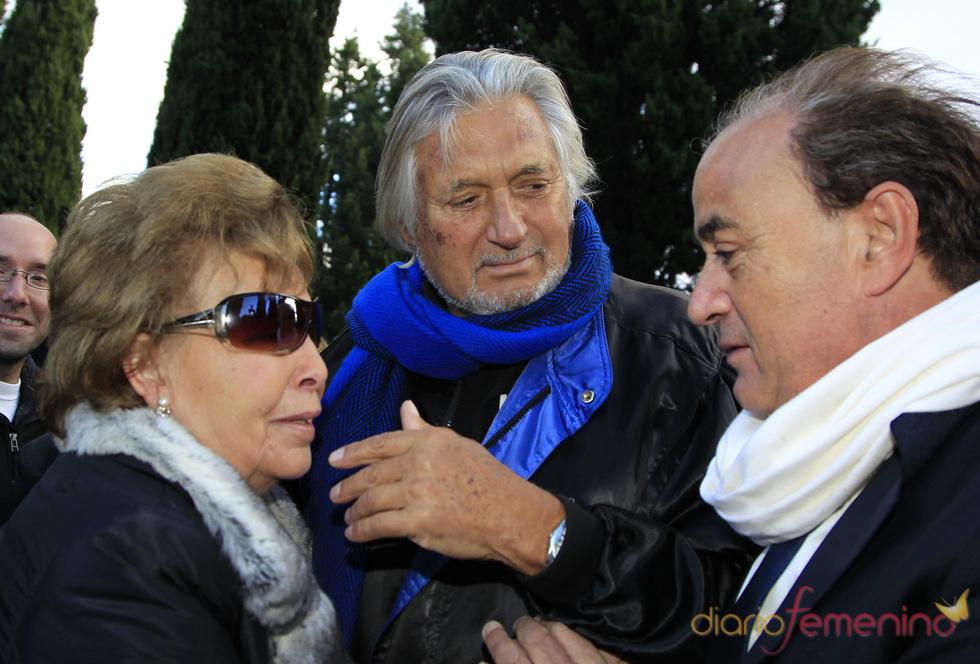 Marc Ostarcevic en el entierro de Carla Duval