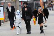 Kate Winslet pasa desapercibida con su disfraz de Halloween