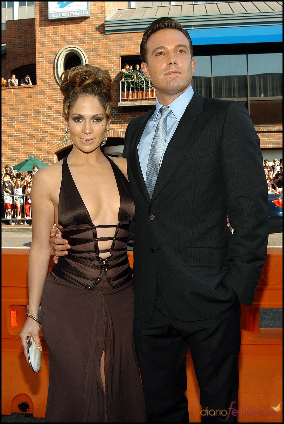 Ben Affleck posa junto a Jennifer Lopez