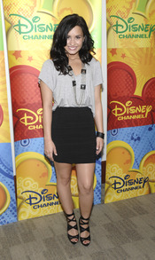Demi Lovato con un look muy acertado