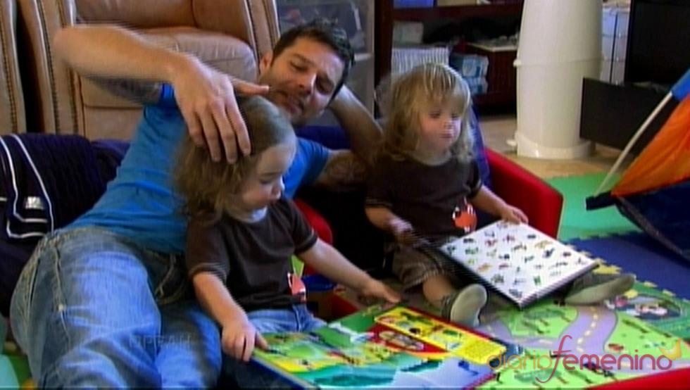 Ricky Martin con sus hijos Valentino y Matteo