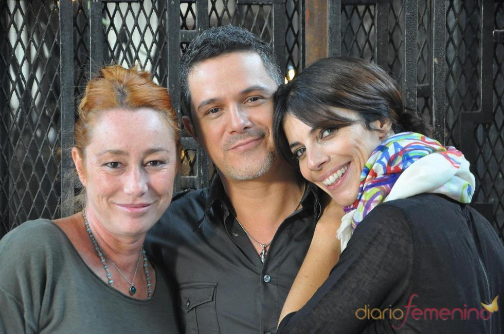 Alejandro Sanz, Maribel Verdú y Gracia Querejeta