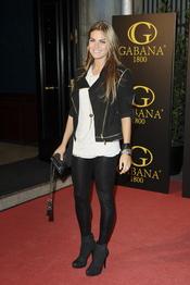 Amaia Salamanca con look rockero en la despedida de Rafa Medina y Laura Vecino