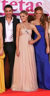 Amaia Salamanca con Miguel Ángel Silvestre y María Castro