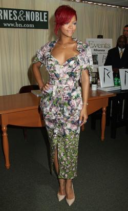 Rihanna, aprovechando que su abuela cambió las cortinas