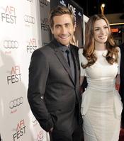 Jake Gyllenhaal y Anne Hathaway, de estreno