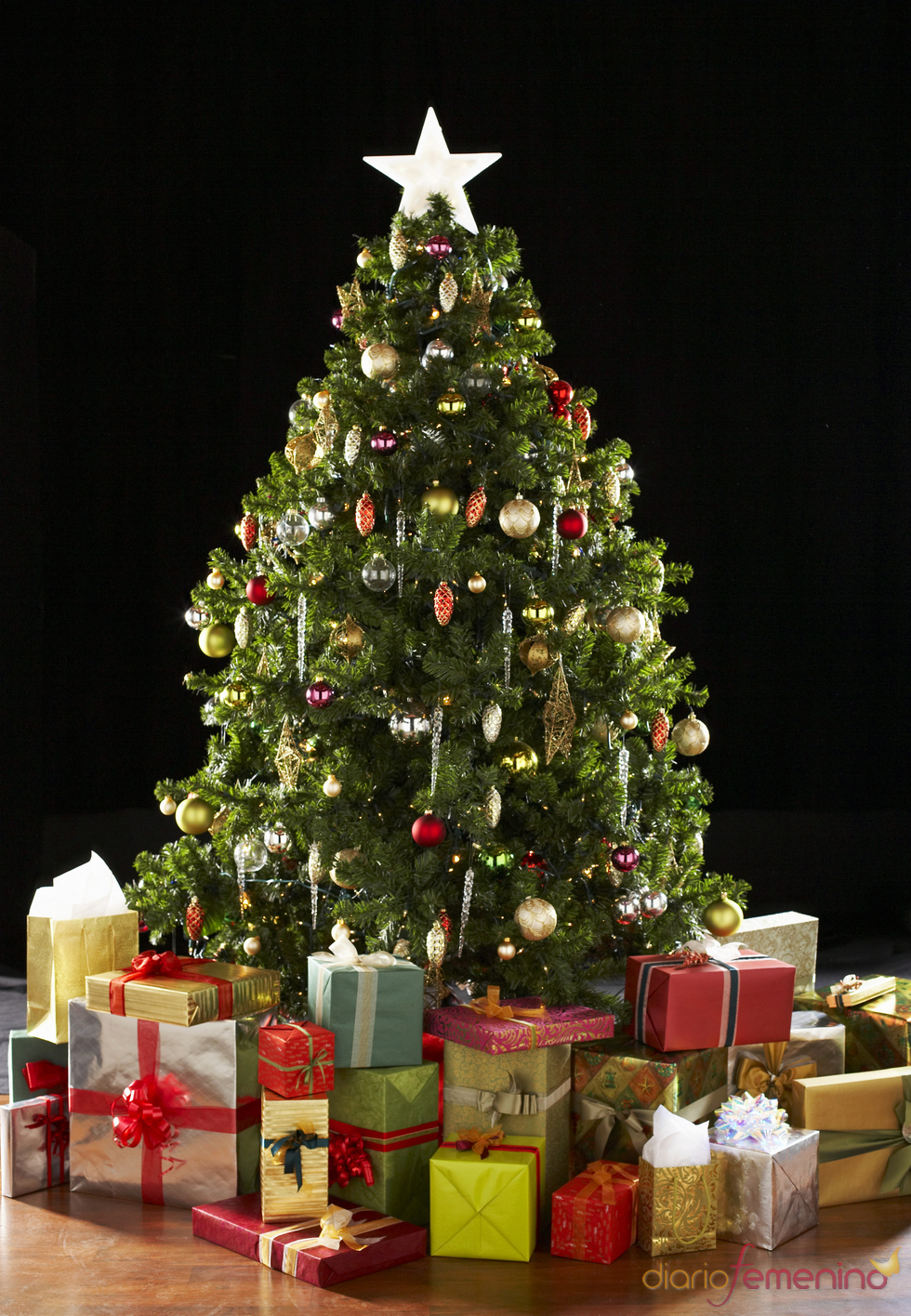 Tradicional rbol de navidad - Adornos para arbol navidad ...