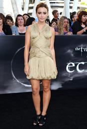 Lily Collins, novia de Taylor Lautner