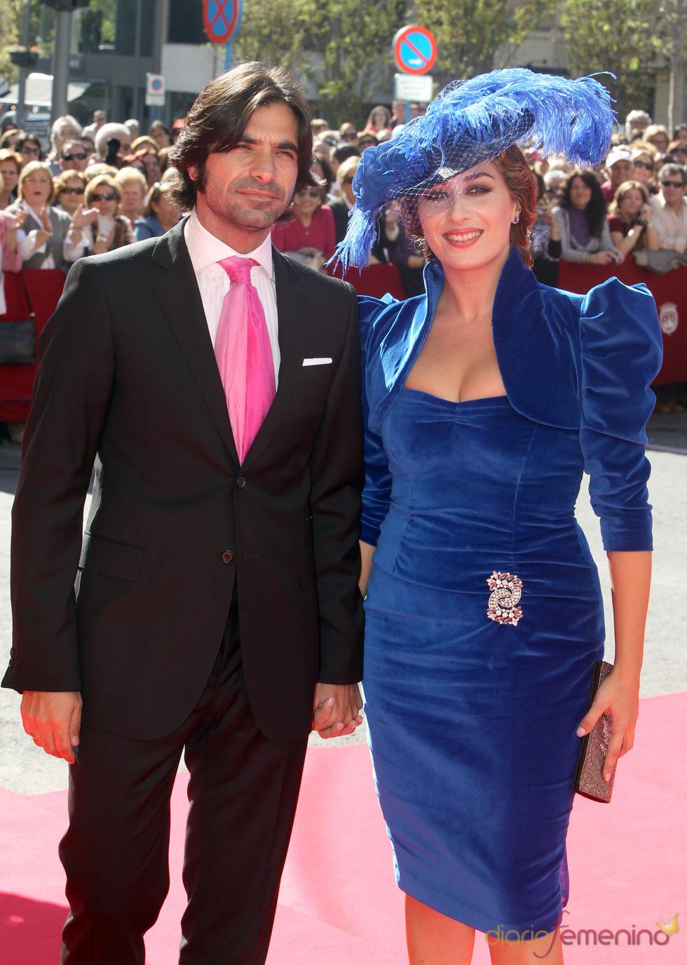 Estrella Morente y Javier Conde en la boda de José María Manzanares hijo y Rocío Escalona