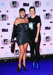 Rossy de Palma y Bimba Bosé en los MTV EMA