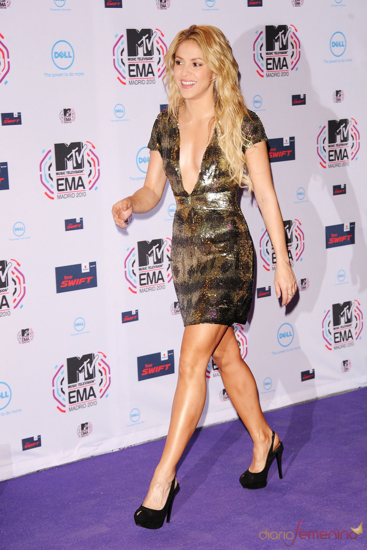 Shakira llega a los MTV EMA