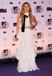 Miley Cyrus de blanco en los MTV EMA