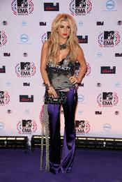 Kesha a su llegada a los MTV EMA