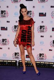 Katy Perry posa en los European Musica Awards