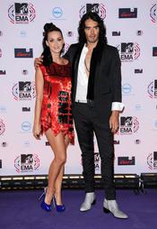 Katy Perry junto a Russell Brand en los premios MTV