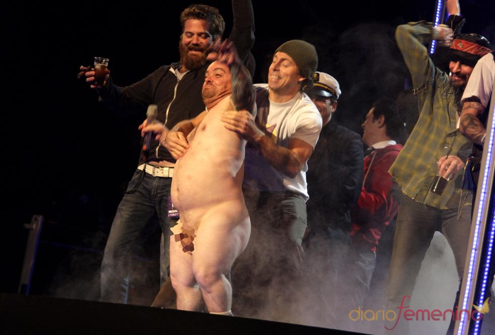 Jackass desnuda a Wee-Man  en los MTV EMA Madrid 2010