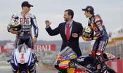 El Príncipe Felipe felicita a Jorge Lorenzo y Marc Márquez