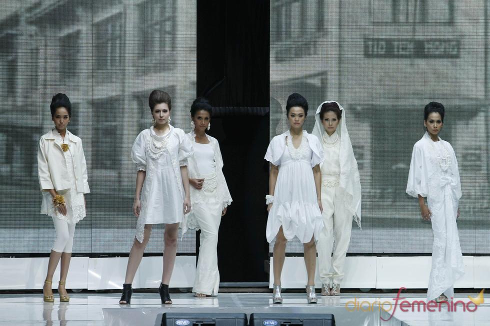 Desfile de novias en la Jarkata Fashion Week 2010