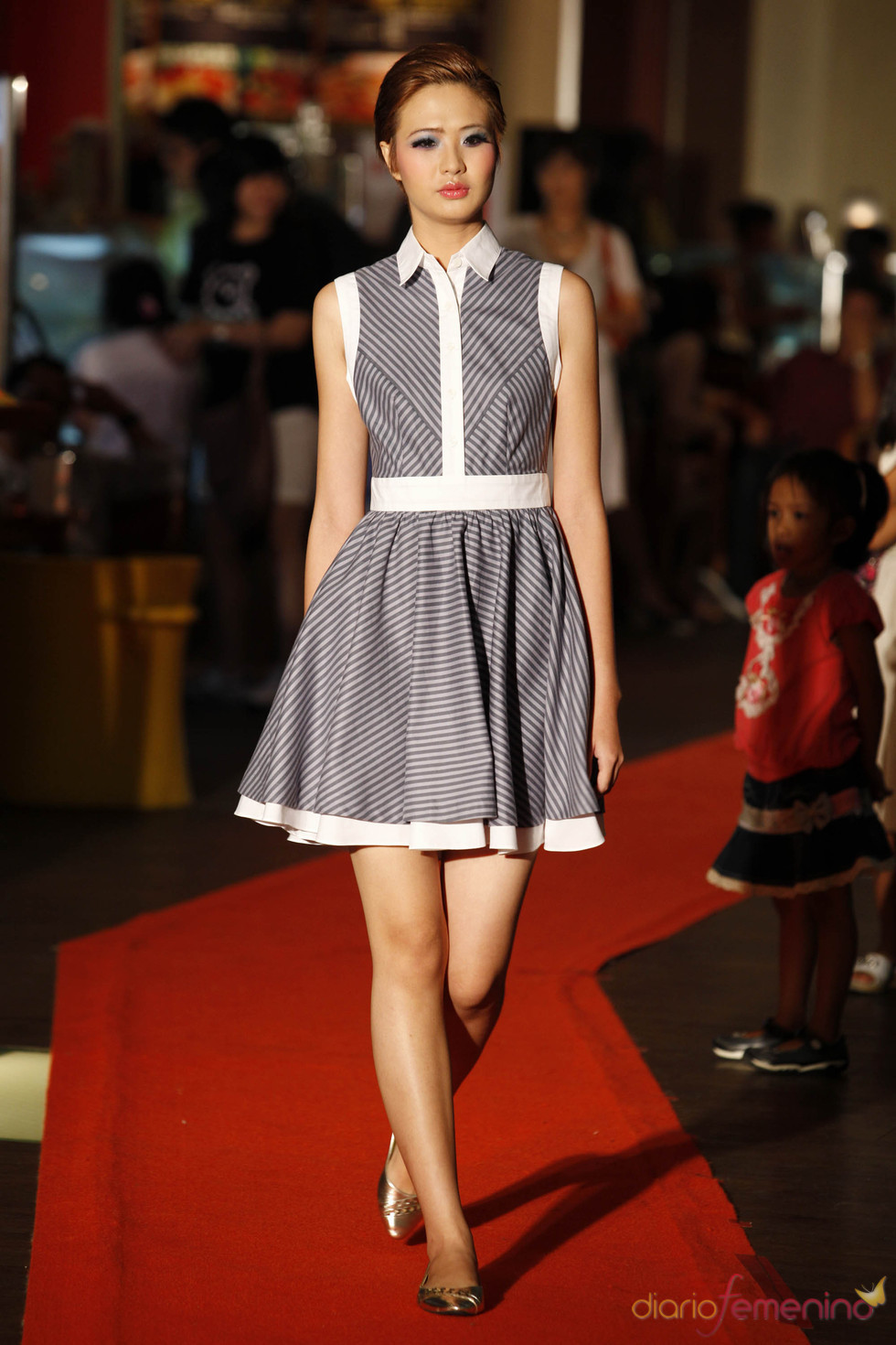 Vestido años '50 en la Jarkata Fashion Week 2010