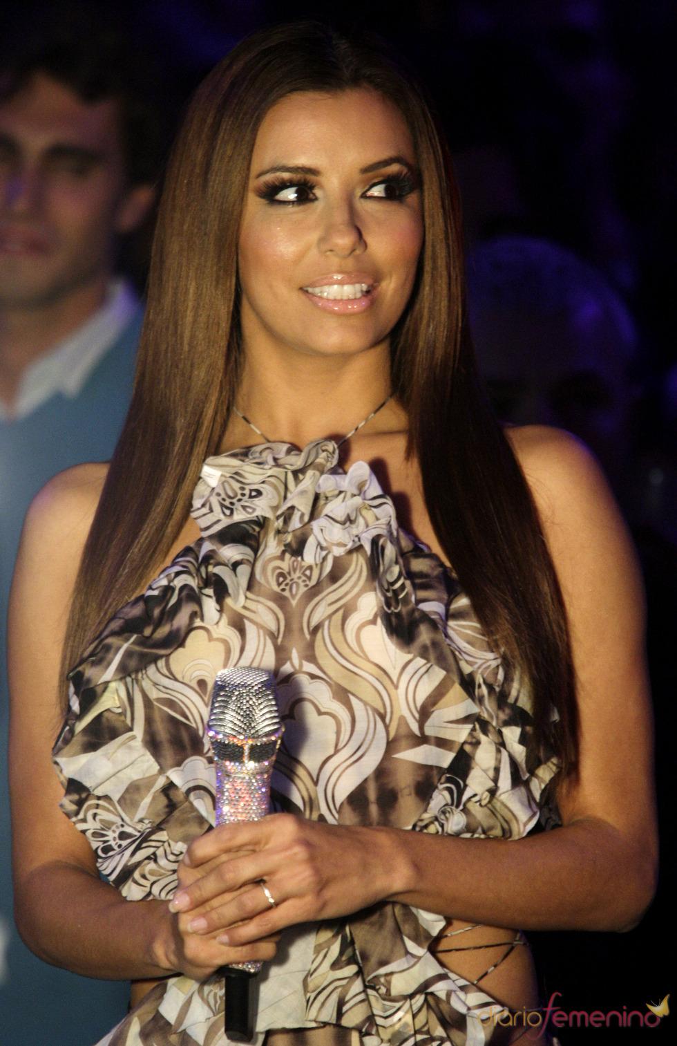 Eva Longoria y sus mini vestidos durante los EMAs 2010
