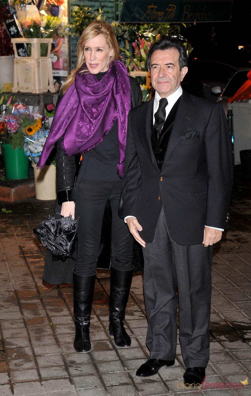 Enrique Cornejo y Mamen en la misa funeral de Carla Duval