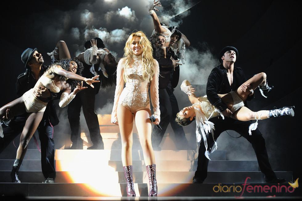 Miley Cyrus durante su concierto en el MTV Day