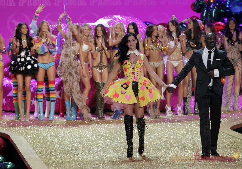 Katy Perry brilla en el desfile de Victoria's Secret