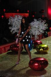 Victoria's Secret invade de sensualidad la ropa interior