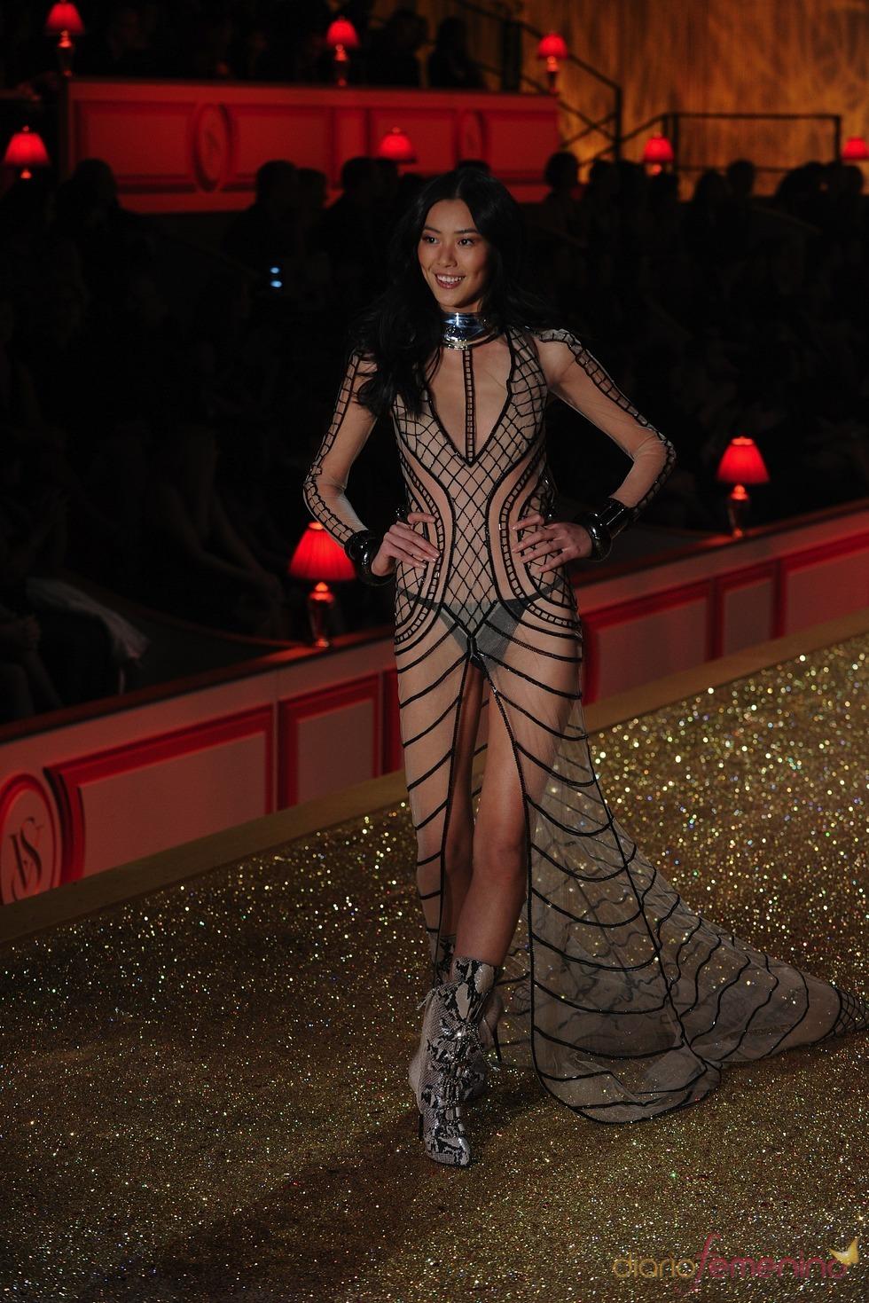 Espectacular escaparate de modelos de Victoria's Secret