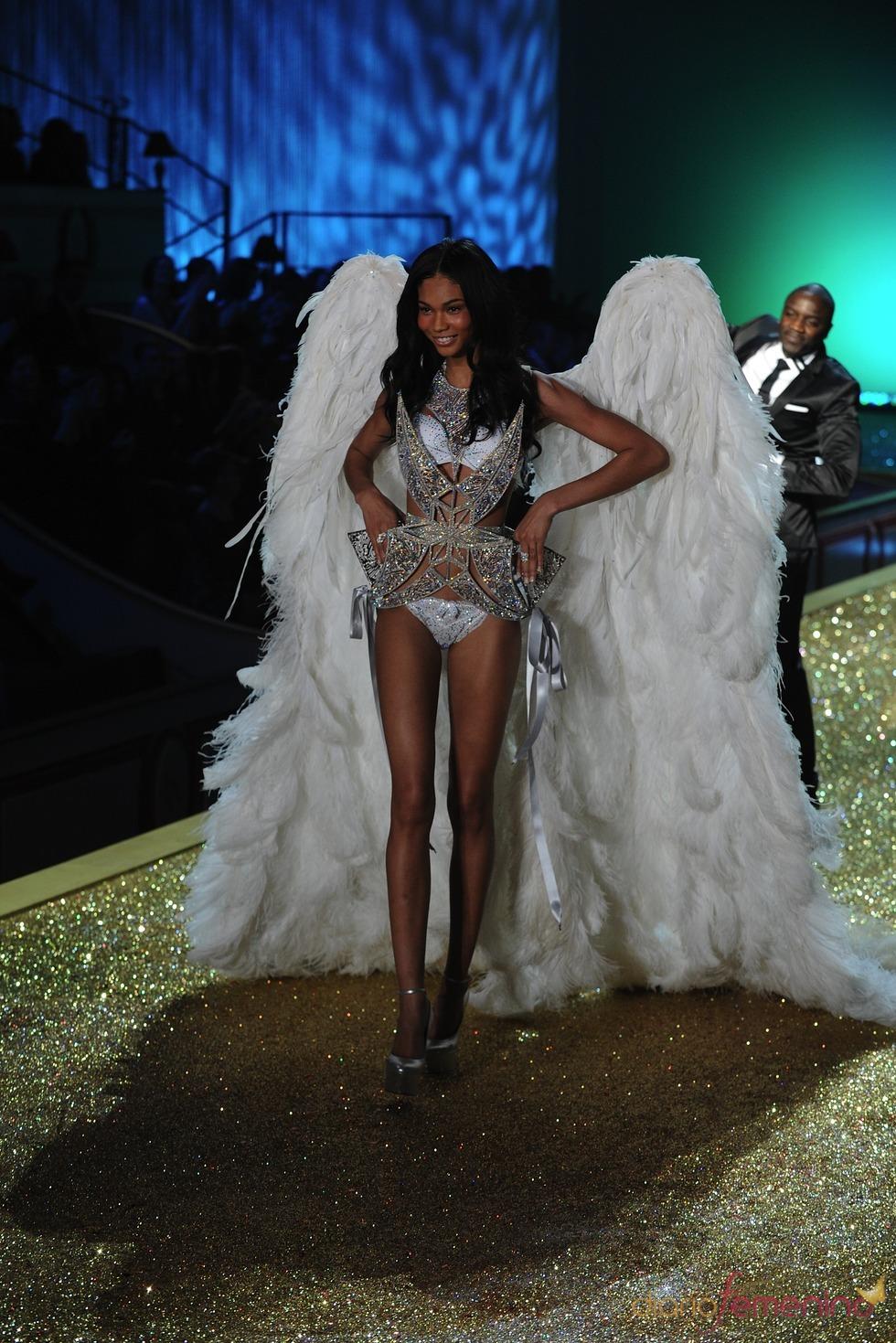 Victoria's Secret llena de luz las pasarelas