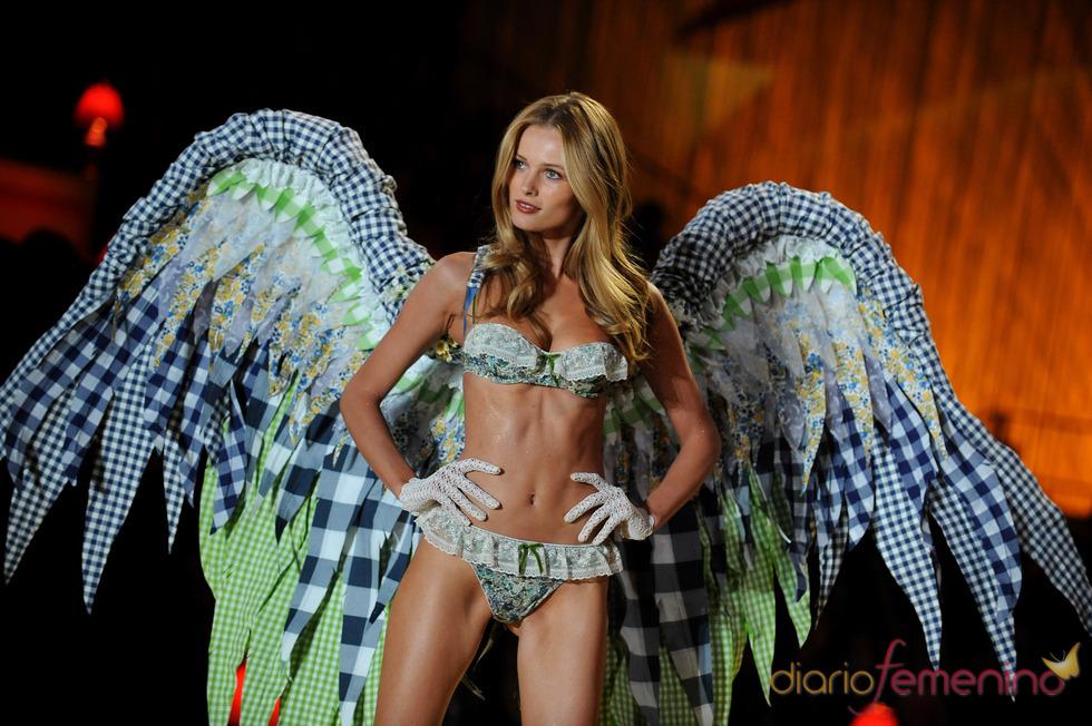 Victoria's Secret presenta una colección de ropa íntima sensual y atrevida