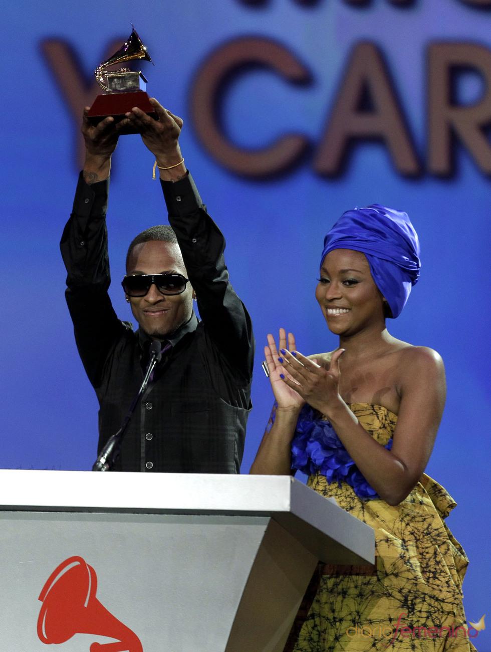 Chocquib Town abraza la gloria tras llevarse el premio a la mejor canción alternativa por 'De Donde Vengo Yo'