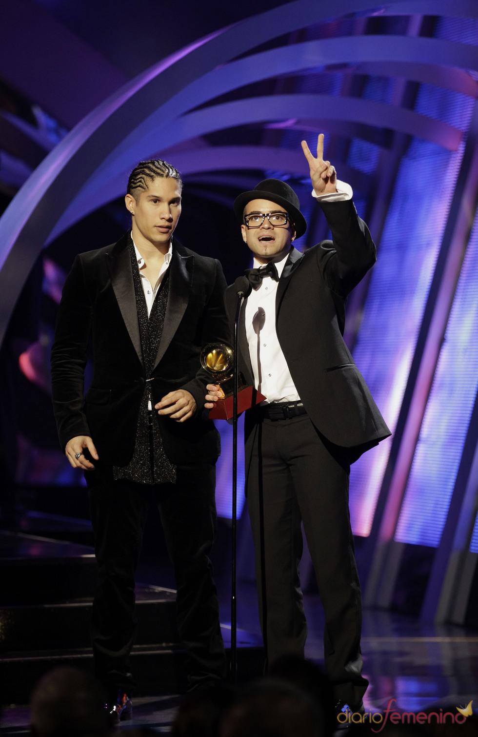 Los venezolanos Chino y Nacho triunfan en la ceremonia de los Grammy en la categoría de mejor álbum de música urbana