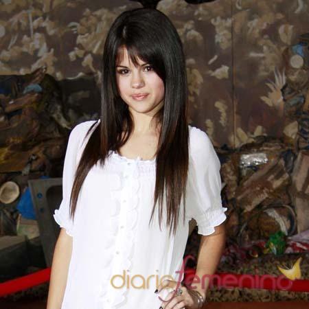A Selena Gómez le encanta Edwad Cullen