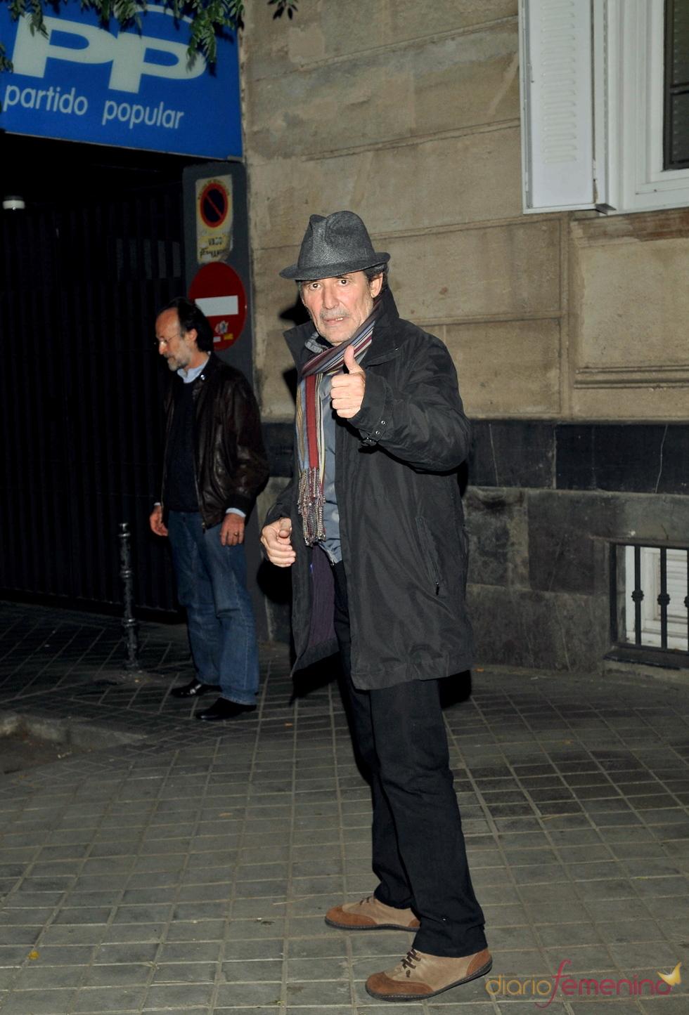 Miguel Ríos se despide de Luis García Berlanga