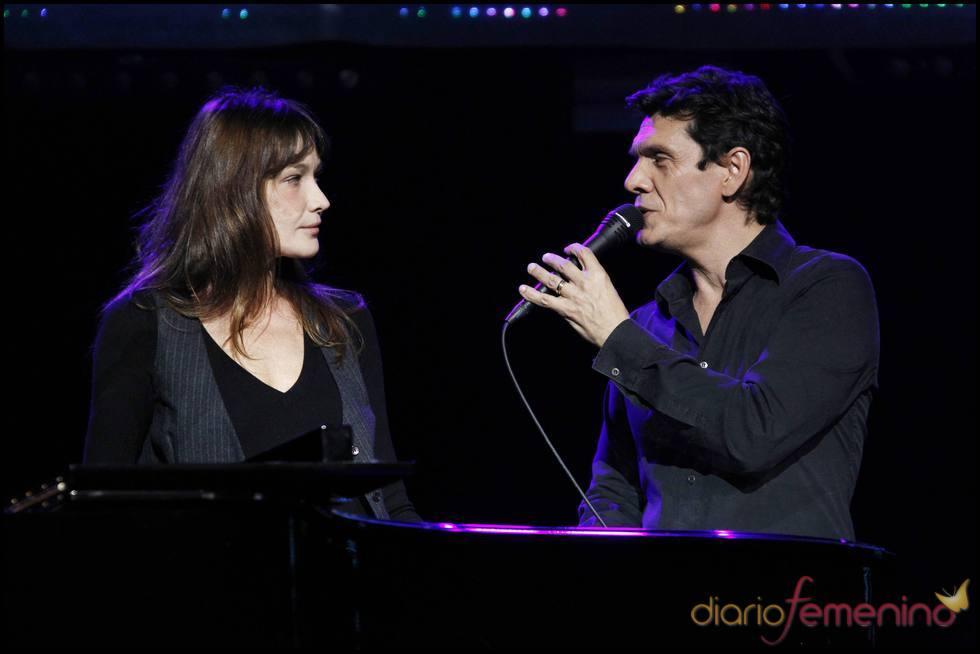 Carla Bruni canta con Marc Lavoine
