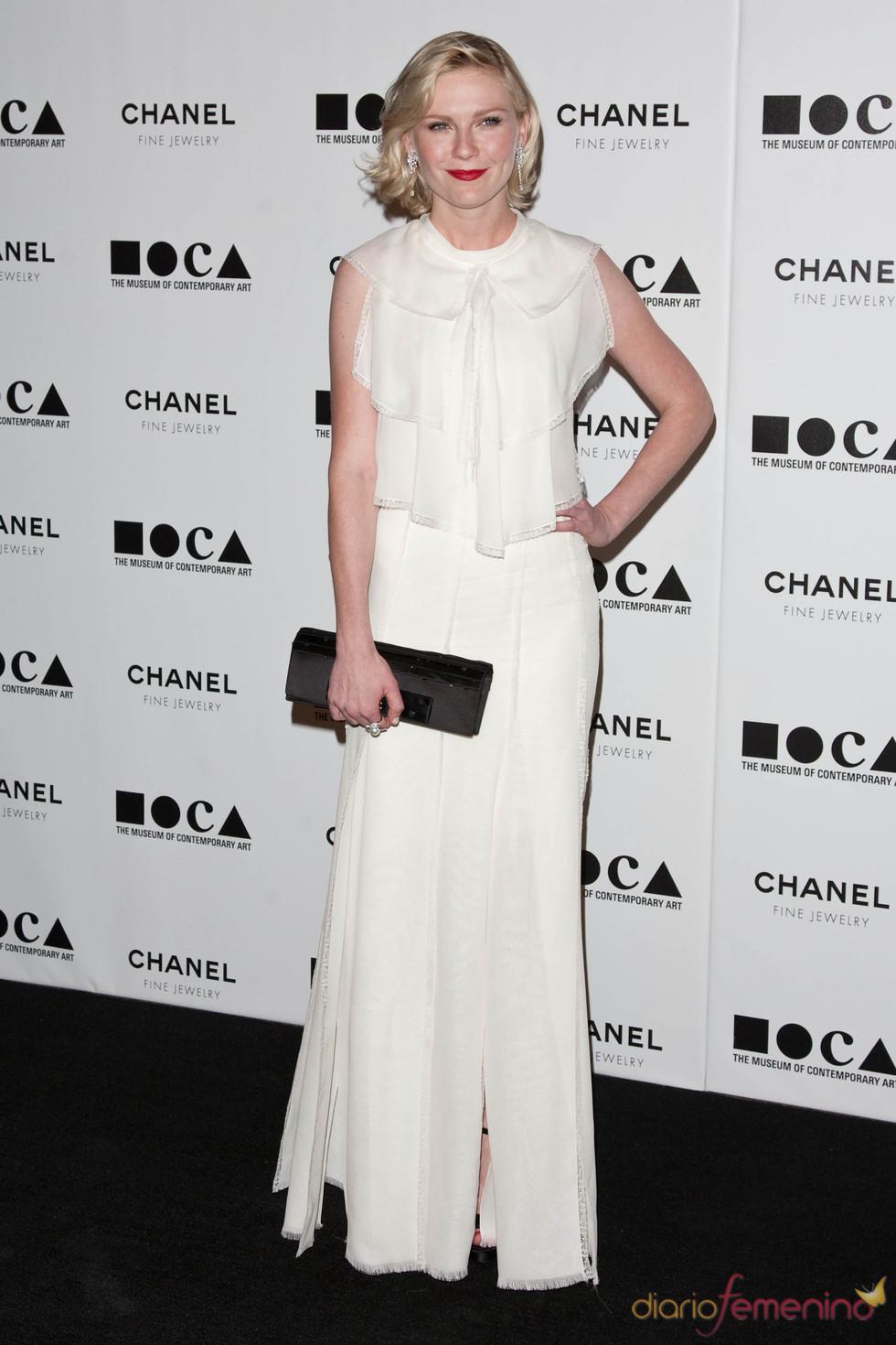 Kirsten Dunst con diseño de Chanel