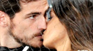 Sara Carbonero e Íker Casillas se besan en el tenis