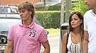 Sergio Canales, la nueva estrella del Real Madrid, con su novia