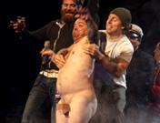El desnudo Wee-Man de Jackass en los MTV EMA Madrid 2010