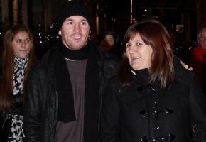 Leo Messi con su famila: compras navideñas en Milán