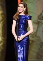 Anne Hathaway, eléctrica