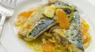 Dorada agridulce con tiras de puerro y zanahoria